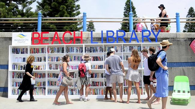 Coogee Beach library makes finding the perfect summer read simple | dailytelegraph.com.au